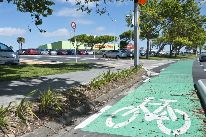footpath and cycleway maintenance, New Zealand